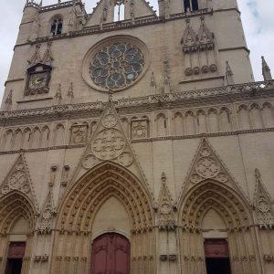 Façade de la cathédrale St-Jean